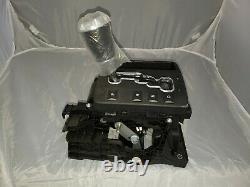 2005-2007 Jeep Grand Cherokee Gear Shifter 3.7 L with a JEEP Knob Brand New OEM